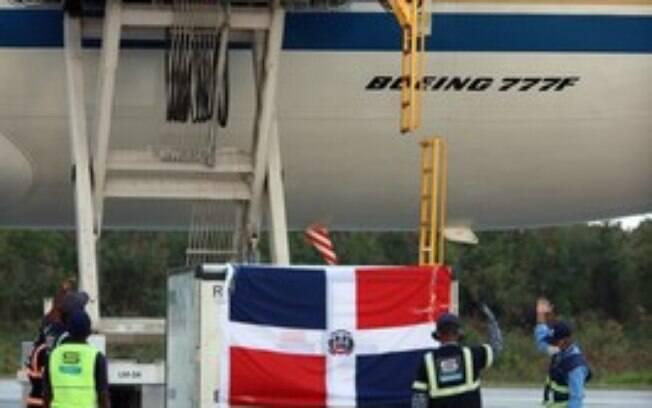 China Eastern transporta vacinas para a República Dominicana