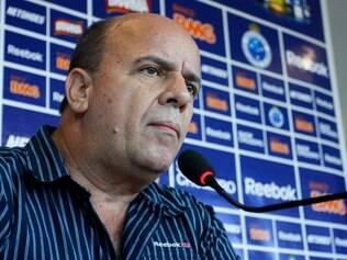 Gerente de futebol celeste se reunirá com o vascaíno René Simões para estudar cessão de atletas cruzeirenses ao Vasco