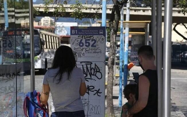 Passageiros aguardavam o 652 no Méier: