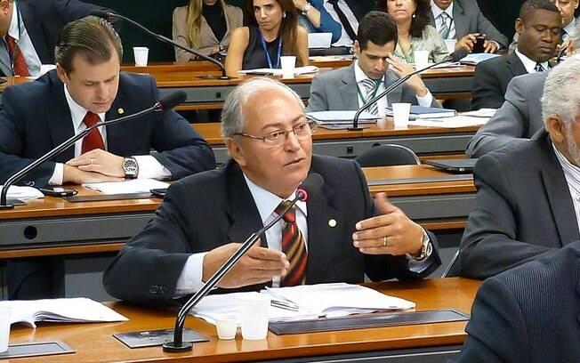 Deputado federal pelo PP do Tocantins, Lázaro Botelho é investigado no inquerito que envolve 37 pessoas. Foto: Facebook/Reprodução