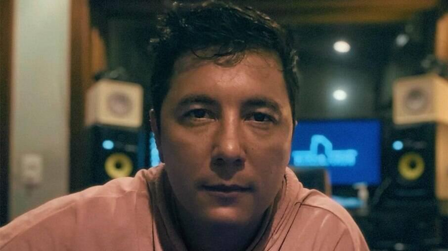 Jhean Marcell, integrante do Br'Oz, é intubado com Covid-19