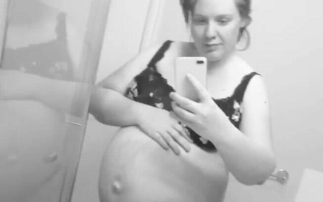 Vídeo de parto pode ajudar Jessica Hood, grávida de seu quarto filho, a lidar com a ansiedade. Entenda