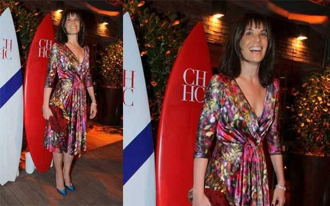 A atriz apareceu usando uma franjinha durante o evento