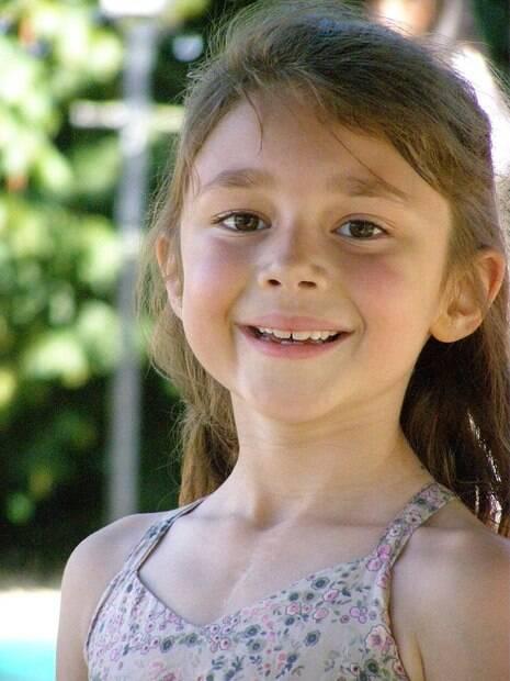 Cordelia, hoje com 11 anos, é uma criança saudável mesmo depois da síndrome e recebe acompanhamento anual