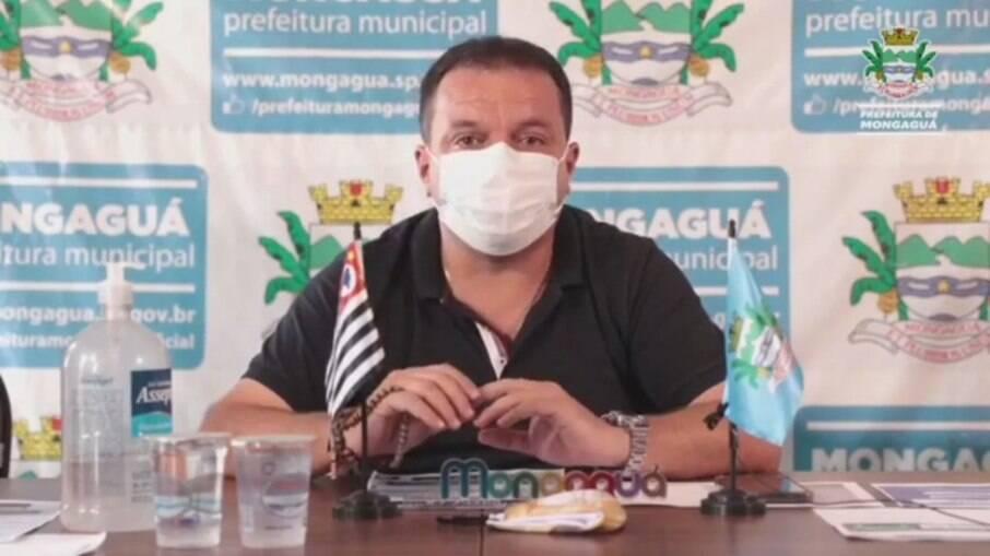 Márcio Melo Gomes (Republicanos) se emocionou ao falar da situação do seu pai, internado com Covid-19