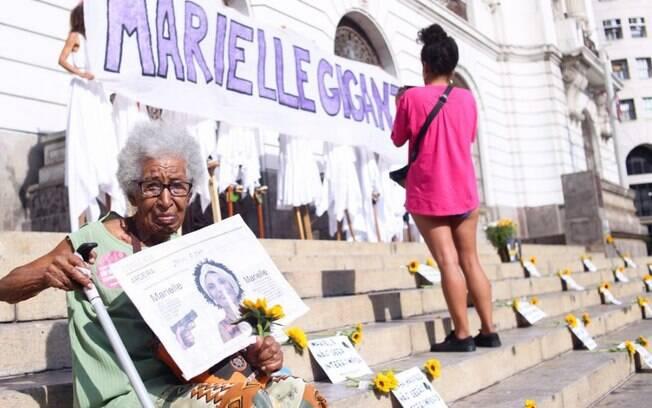 Marielle Franco é homenageada em ato na Cinelândia nesta quinta-feira, um ano após sua morte
