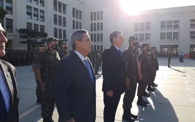 O presidente Jair Bolsonaro esteve hoje em Resende, no Rio de Janeiro