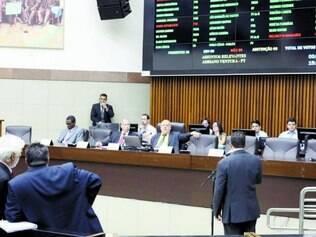Fim.  Câmara formará comissão para regulamentar novo modelo que será usado para as licitações