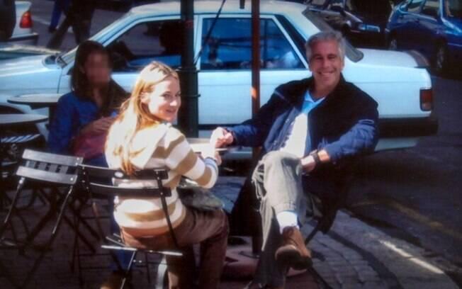 Uma das vítimas relembra viagens feitas com seu abusador, Jeffrey Epstein