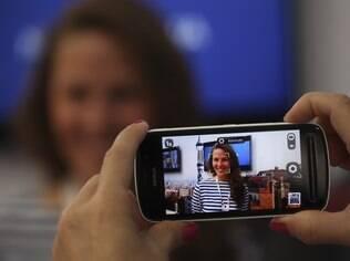 Nokia 808 PureView traz Symbian e câmera que tira fotos com resolução de 38 megapixels