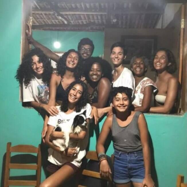 Camila Pitanga e a família