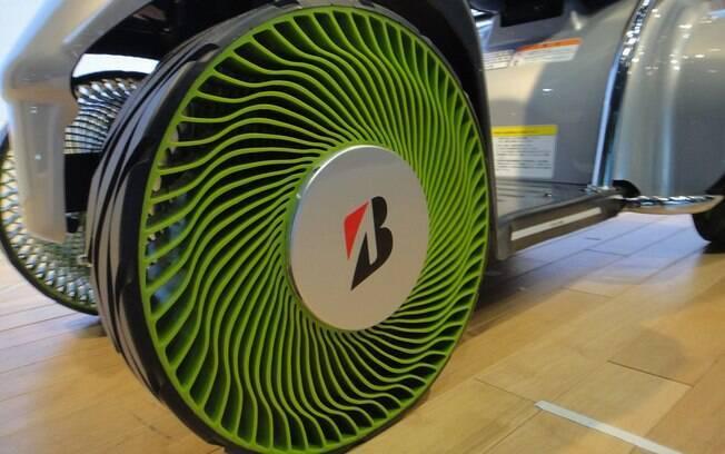 Pneus do futuro deverão ser finos e altos para atender aos carros elétricos