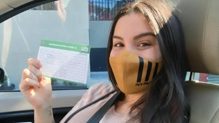 Bainca Andrade tomou a vacina contra a Covid-19