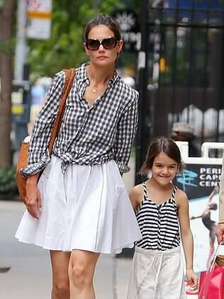 Katie Holmes e Suri Cruise passeando por Nova York no dia 24 de junho