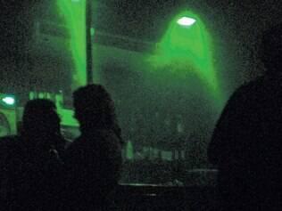 Etiqueta da noite. Entre as quatro paredes dos clubes de swing, tudo é permitido, mas ninguém é obrigado a nada