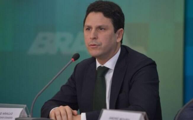 Ministro das Cidades, Bruno Araújo, foi o primeiro integrante do PSDB a anunciar saída do governo Michel Temer