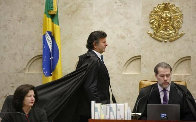 Ministro Luiz Fux pediu vistas de processo que discute validade de indulto natalino de Temer