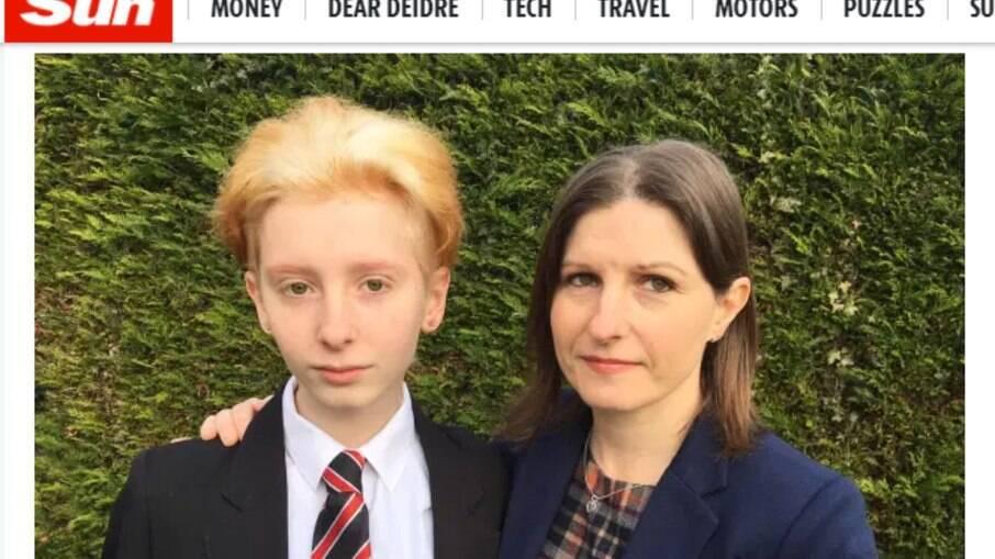 Escola retirou menino da sala no rpimeiro dia de aula por conta de cabelo manchado