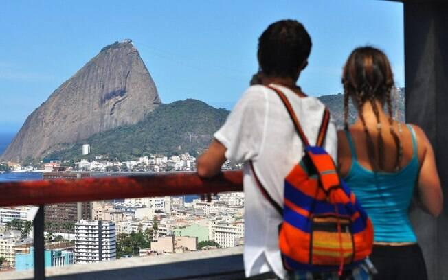 O Parque das Ruínas é indicado para todos os públicos; o visitante pode apreciar a vista do centro e da Baía de Guanabara