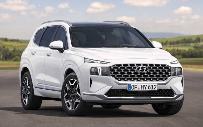 Novo Hyundai Santa Fe dá sequência à nova linguagem visual da marca coreada, marcada por linhas futuristas