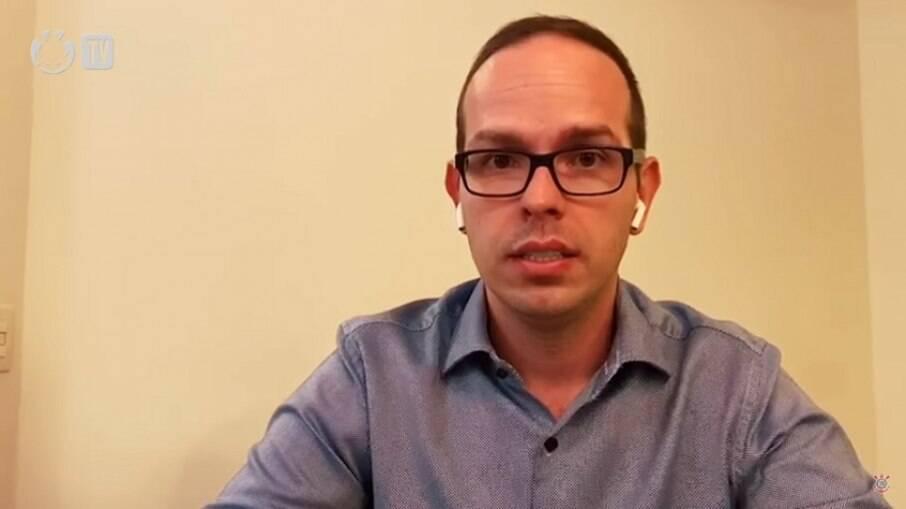 Médico Ivan Grava pede demissão do Corinthians após surto de Covid-19