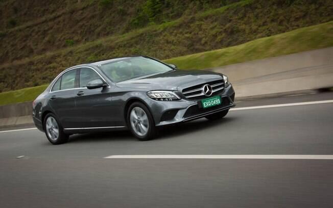 O Mercedes-Benz Classe C liderou a categoria dos sedãs premium no ranking de vendas de 2018
