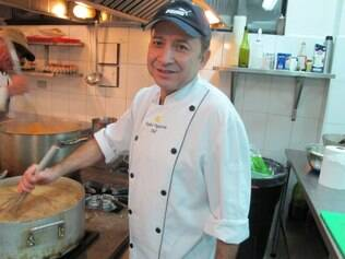 Chef Figueroa está há 25 anos no comando da cozinha de Portillo
