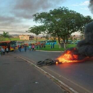 Manifestação começou por volta de 6h