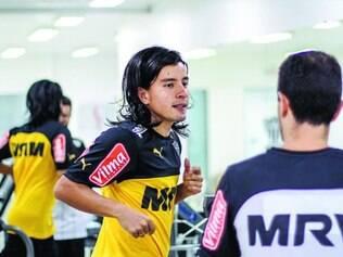 Apresentado.  Cárdenas começou a treinar ontem na Cidade do Galo e já foi muito bem recebido pelos novos companheiros de time