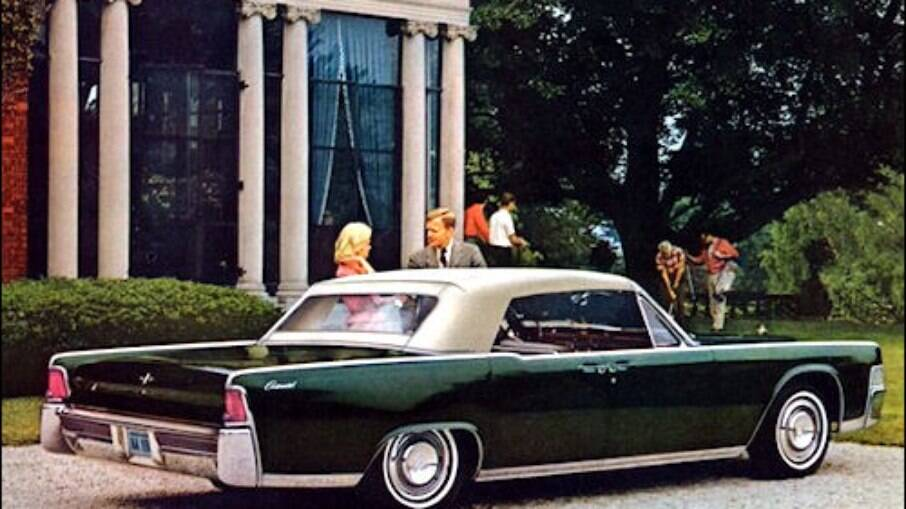 Lincoln Continental ficou famoso por ter sido o carro em que o presidente John Kennedy foi assassinado