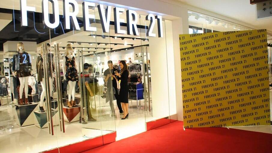 Com aluguel em atraso, Forever 21 é despejada de shopping no Rio por dívidas de aluguel