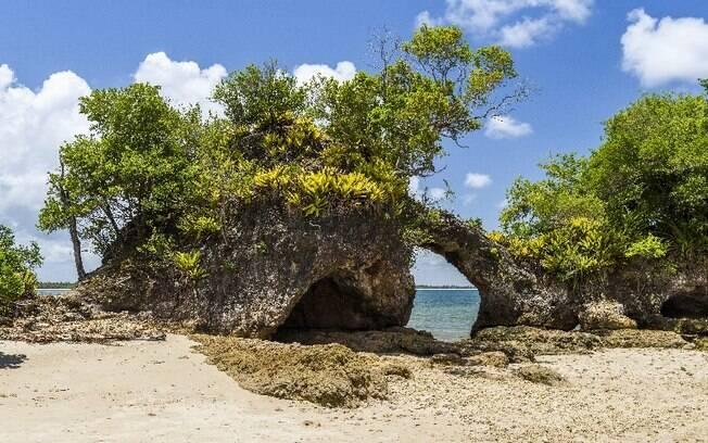 Baía de Camamu tem diversas ilhas que encantam os turistas