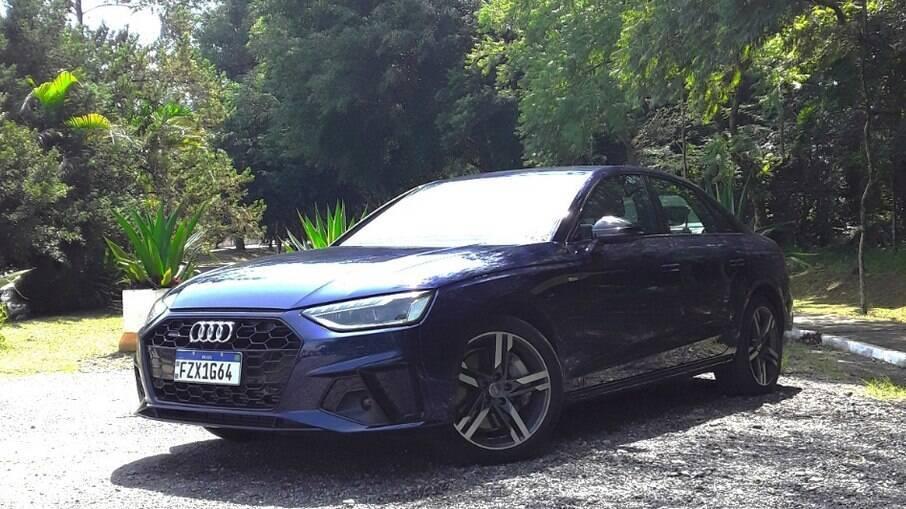 Audi A4 Performance Black 2021: entre os retoques no desenho, destacam-se dos novos faróis e as rodas de aro 18
