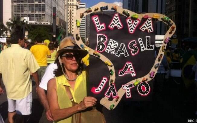 Manifestação foi menor do que a do dia 15 de março, mas semelhante à que ocorreu em 12 de abril