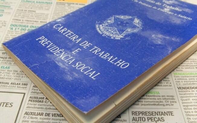 Trabalhador não deve assinar rescisão sem receber o pagamento, orienta advogado