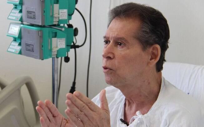Vamberto Castro, de 62 anos, recebe tratamento de médicos da USP que fez desaparecer células de linfoma