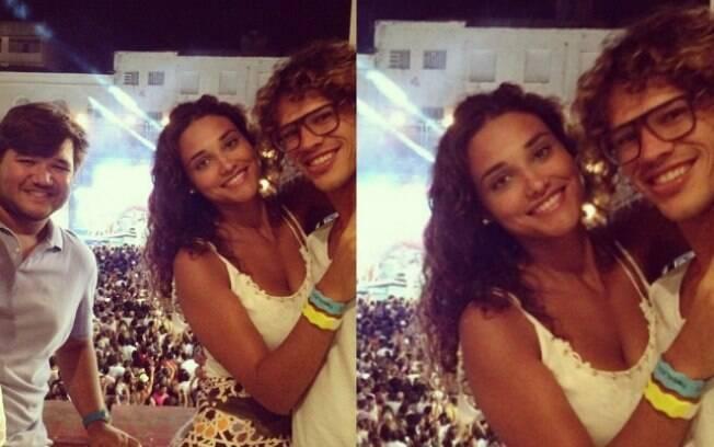 Débora Nascimento e José Loreto no ensaio da Timbalada na noite desse domingo (06)