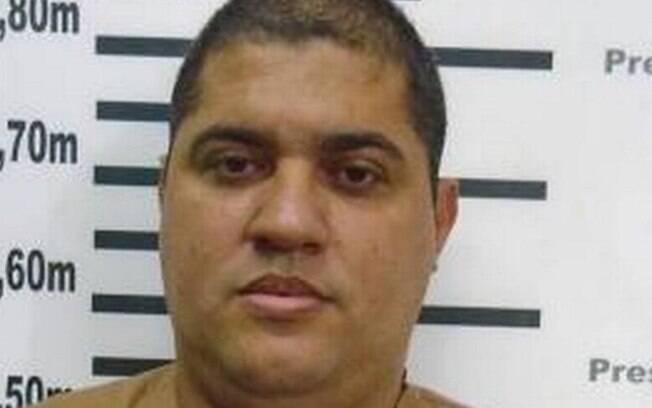 André de Oliveira Macedo, conhecido como André do Rap, solto neste sábado (10), é considerado foragido