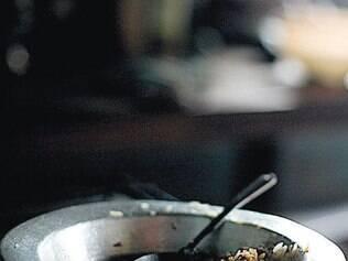Na casa de beneficiário do Bolsa Família, um prato ao fim da refeição