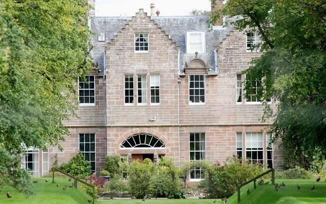 Casa de campo que a família Jolie Pitt alugou para curtir Glasgow enquanto o ator filma seu novo longa