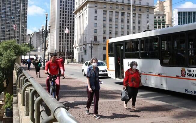 Em relação a 2019, linhas de ônibus em São Paulo tem recebido 70% menos passageiros