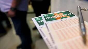Mega-Sena acumulada sorteia prêmio de R$ 33 milhões hoje