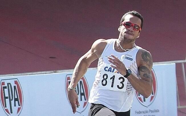 Bruno Lins - foi um dos envolvidos no doping  de atletas que da equipe Rede Atletismo pegos com  EPO em 2009. Ficou 2 anos suspenso