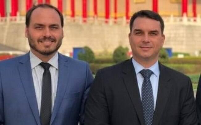 Carlos e Flávio Bolsonaro