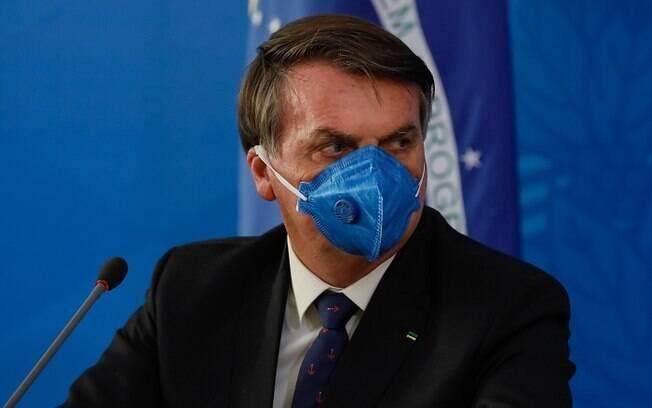 Bolsonaro defende o isolamento somente de pessoas nos grupos de risco