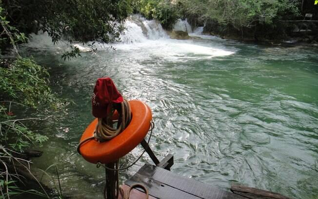 O rio Formoso é o principal curso d'água de Bonito