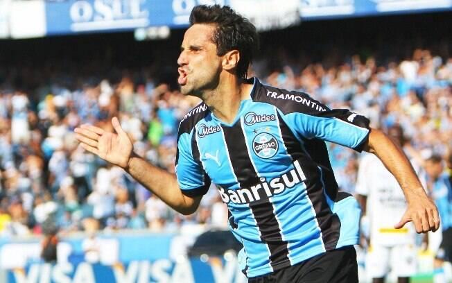 Jonas alcançou a artilharia do Brasileirão pelo Grêmio ao marcar 23 gols em 2010