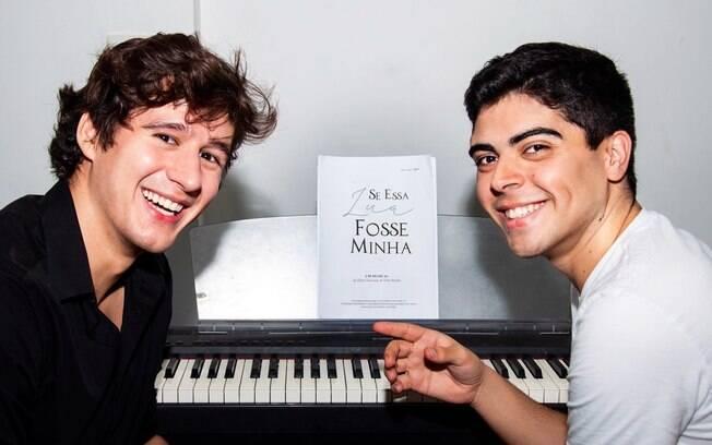 As músicas do espetáculo são de Elton Towersey e o texto de Vitor Rocha