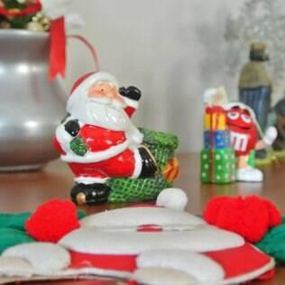 Todo os cantos da casa de Maria Camargo receberam enfeites natalinos