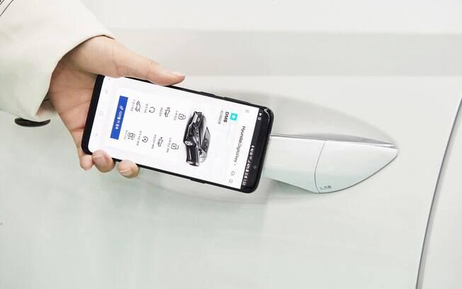 Sistema da Hyundai reconhece o smartphone, e pode ser customizado entre usuários